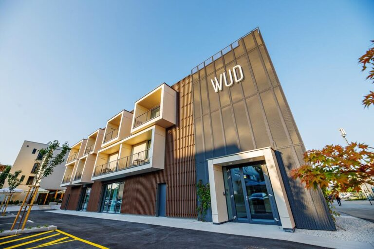 Graphic design DOPE Media - Wud hotel